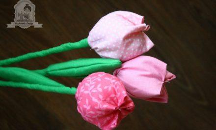 Nincs még igazi? Tegyél a vázába textil tulipánokat!