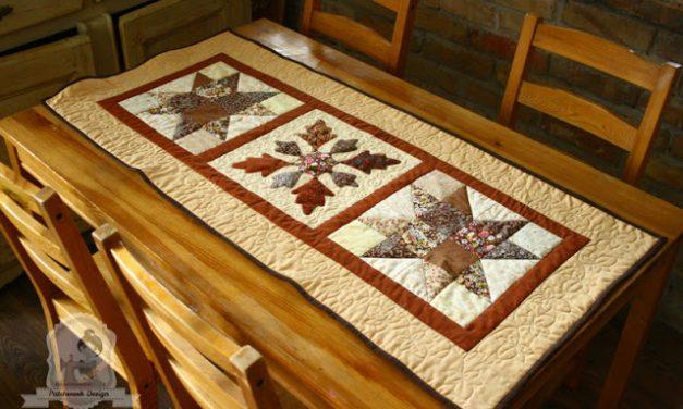 Őszi asztalterítő fűrészfogas csillaggal