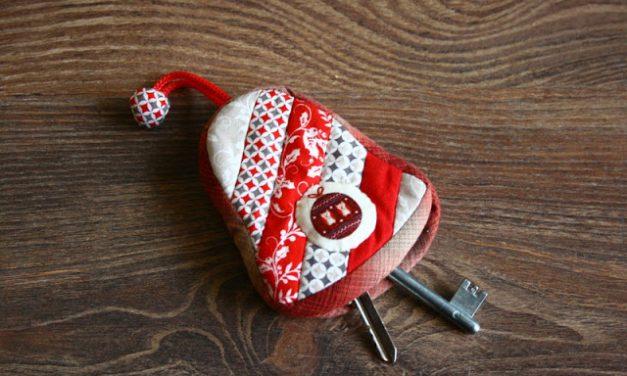 Csengő alakú kulcsartó