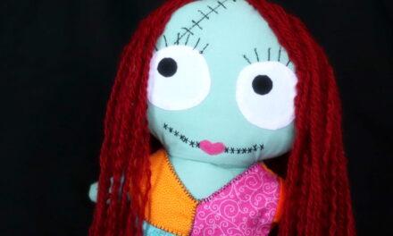 Sally baba patchworkös ruhában